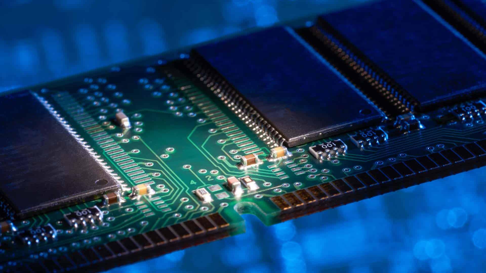 RAM-yang-disarankan-untuk-memainkan-FF-di-PC